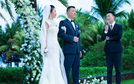 户外草坪婚礼主持,教堂婚礼,驰名名牌,值得信赖。