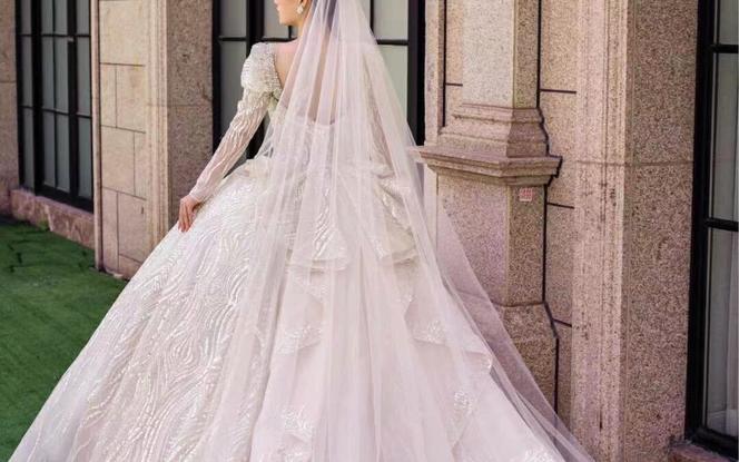『一价全包』跟妆礼服+婚纱照 八服八造 高级定制