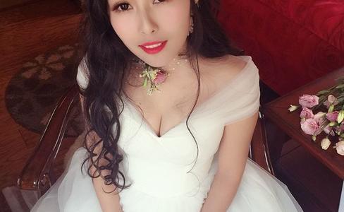 时尚芭莎婚纱