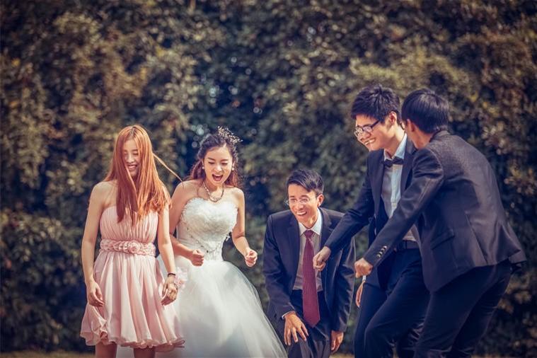 拍婚纱照不会笑怎么办?拍婚纱照表情指南