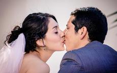 结婚证的照片可以自己拍吗