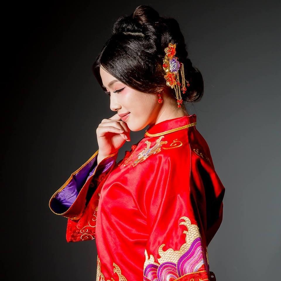 台北秀凤中式婚纱礼服工作室