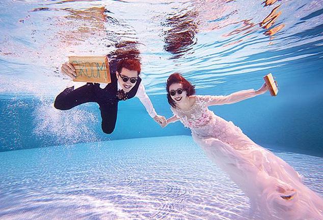 水下婚纱照