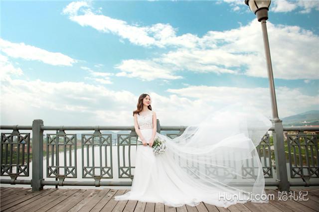 上海婚纱摄影店_上海婚纱体验馆图片