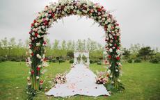 如何自己布置婚礼现场