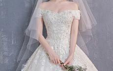新娘头饰怎么搭配婚纱
