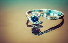 蓝宝石戒指价格大概多少