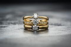 结婚钻戒多少钱合适