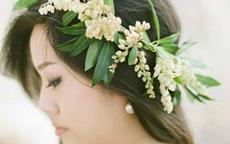 适合脸大新娘的婚纱发型