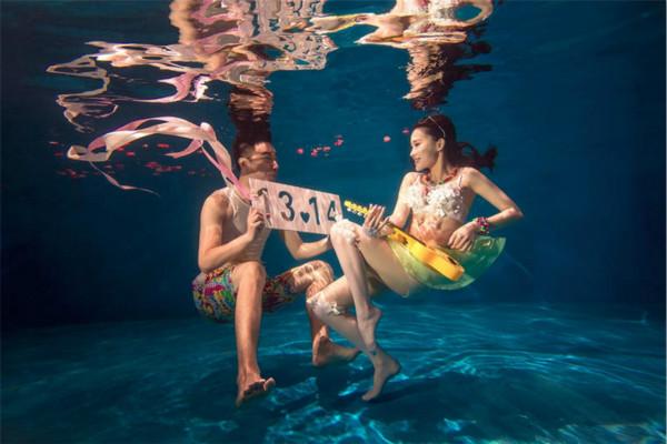 三亚水下婚纱摄影怎么样 三亚水下婚纱照贵不贵