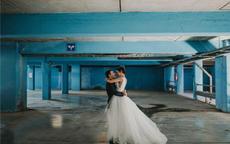拍室内婚纱照摆pose技巧