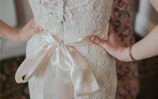 结婚当天婚纱买还是租划算