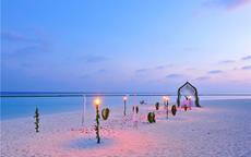 沙滩婚礼布置图片及要点
