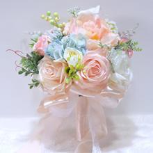 少女赴约新娘手捧花
