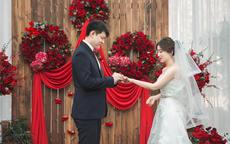拍婚礼用什么镜头