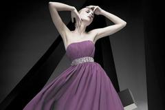 紫色婚纱的寓意是什么