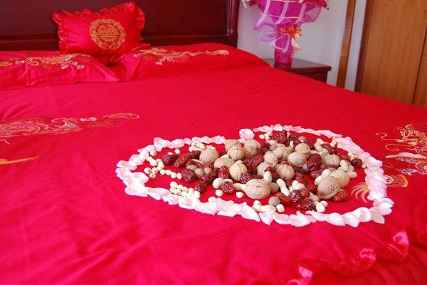 结婚床图片