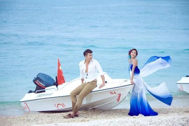 /海边婚纱照