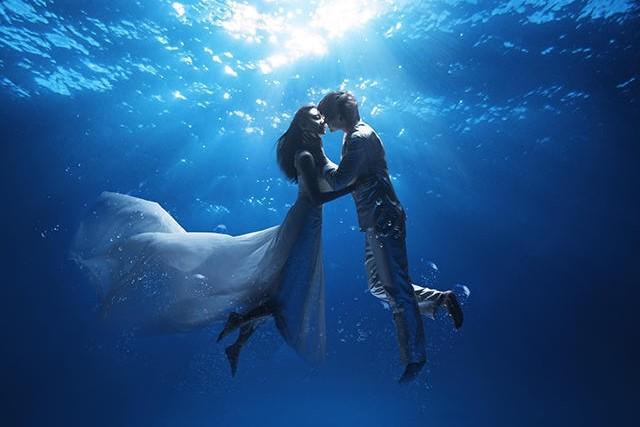 美人鱼婚纱照