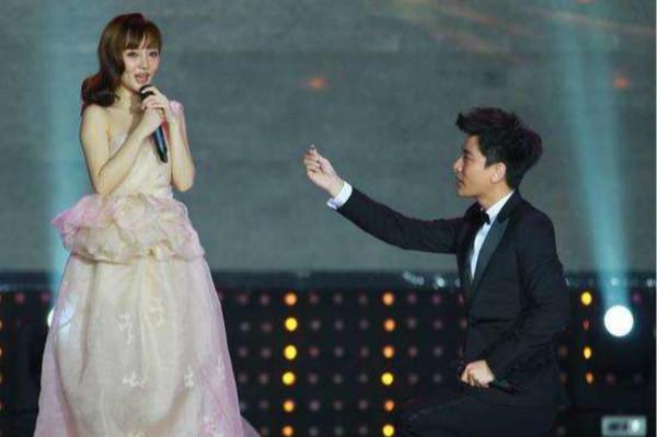 贾乃亮求婚