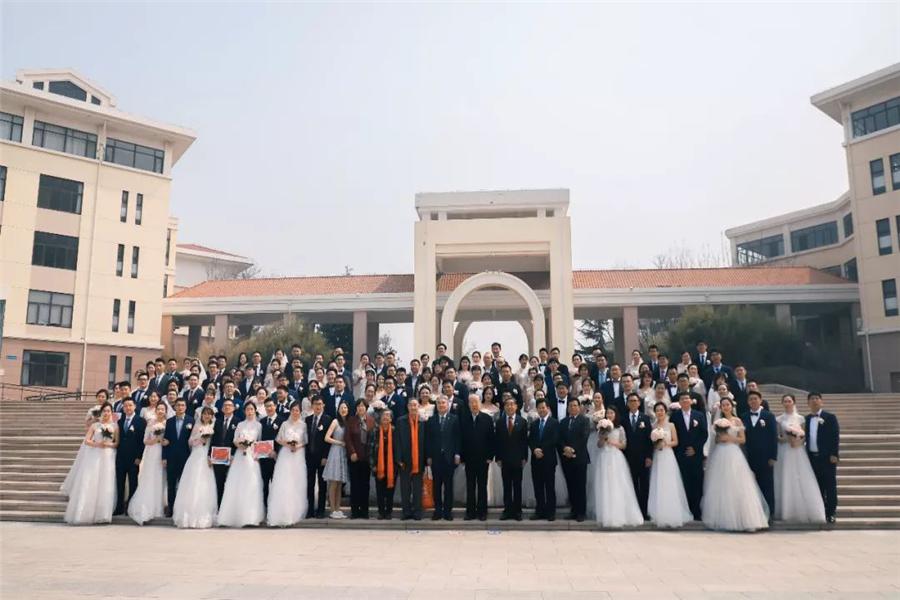 集体婚礼的婚礼mv怎么制作