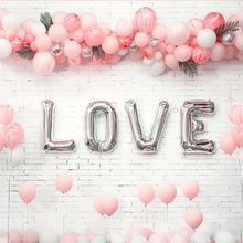 嫩粉色LOVE气球