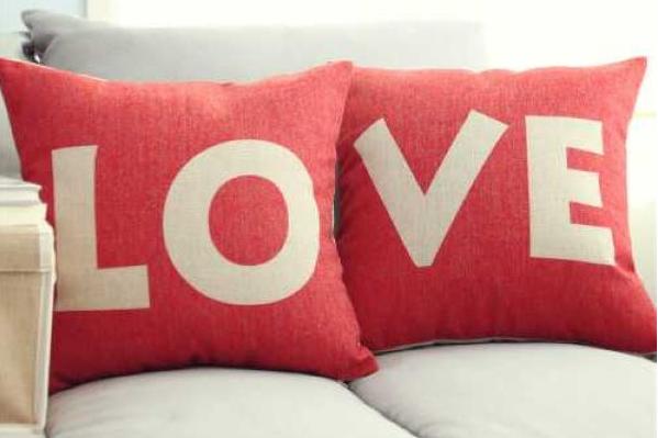 Love抱枕