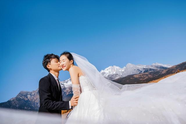 /青岛旅拍婚纱照