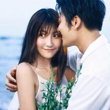不一样的青岛沙滩海景婚纱照拍摄风格