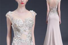 新娘穿婚纱礼服晚礼服发型怎么搭好看