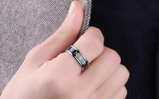男生戒指戴食指什么意思