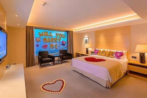 酒店生日房间怎么布置_酒店求婚房间布置找谁【婚礼纪】