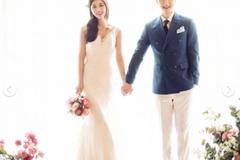 韩式婚纱照极简室内风格姿势怎么摆