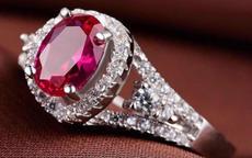 红宝石戒指一般多少钱 结婚纪念日送红宝石戒指合适吗