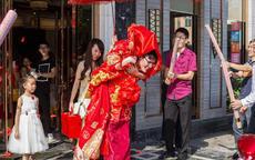结婚拦门要红包的套话怎么说?