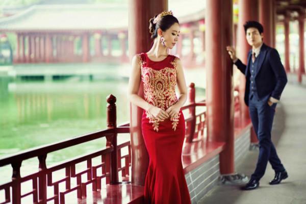 红色经典婚纱照