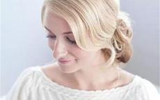 婚礼婆婆发型的盘发法