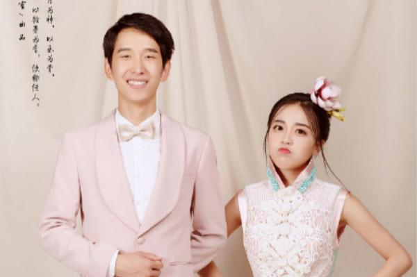 中式粉色婚纱照
