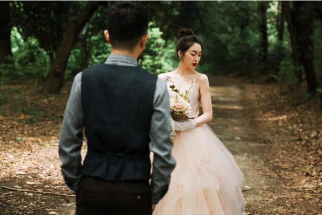 七月外景婚纱照