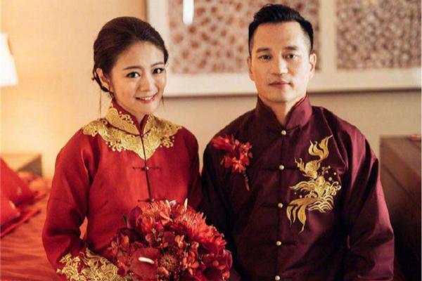 安以轩中式婚纱礼服