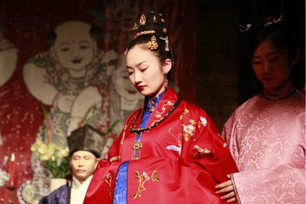 中式礼服明代