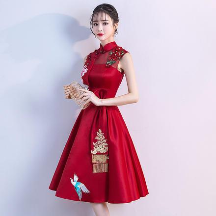 复古中式小立领牡丹刺绣缎面敬酒服