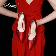 复古中式错落鞋口缎面水钻酒红色礼服婚鞋