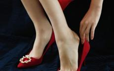 新娘婚纱婚鞋这样搭 美观又舒适