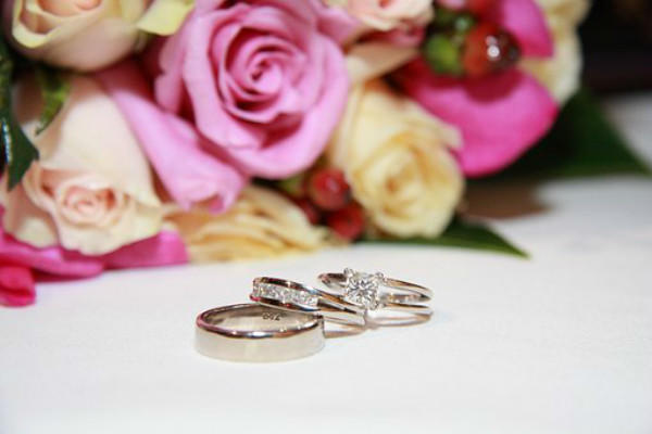 戒指和花朵