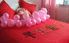 今年流行的婚房布置,床上都摆什么