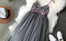 参加婚礼穿什么 女生参加婚礼穿什么