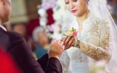 简短感人的婚礼新娘致辞 往后余生风雨相随