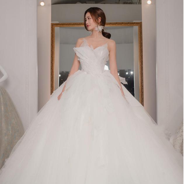 vanny.bridal婚纱