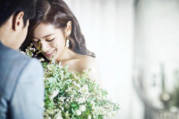 婚纱照妆容
